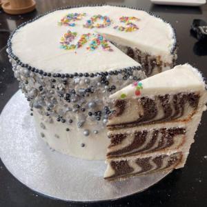 EDS UK Bake-In Kara cake main