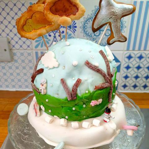 EDS UK Bake-In Elsa and Barney cake square