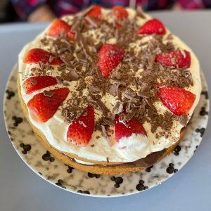 EDS UK Bake-In Sophie cake main