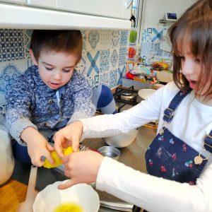 EDS UK Bake-In Elsa and Barney cake 4